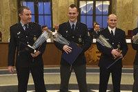 Statečný čtyřlístek: Policisté zachránili život dvěma holčičkám, získali ocenění Čin roku