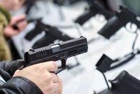 Evropský soud začne řešit českou žalobu na směrnici o zbraních. Prý je diskriminační
