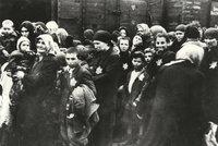 """Dráhy uzavřou """"černou kapitolu historie"""". Odškodní oběti válečných transportů"""