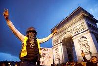 Zájem o protesty žlutých vest opadá. Francouzi vyrazili na nákupy