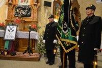 Plné kostelní lavice: Nejen věřící vzpomínali na půlnočních na padlé horníky