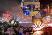 Silvestr ONLINE: Bombová hrozba v Amsterdamu a oslavy v Česku i ve světě