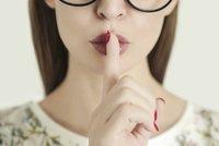 Reálné ženy přiznaly: Jaké neobvyklé věci použily místo vibrátoru?
