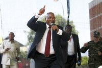 Exprezident se rozhodl nazpívat album, zaplatit mu ho mají daňoví poplatníci. Opozice zuří