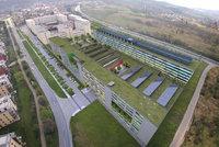 Dostavba policejního areálu za miliardy ve Zbraslavi vadí místním. Strážci zákona akci obhajují