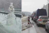 """""""Alespoň někdo u Humpolce pracuje."""" Z prací na dálnici D1 si střílí sněhulák"""