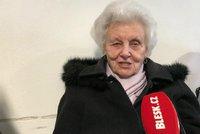 """""""Jdu si pro žebračenku."""" Věra (87) čeká úřadu práce celé hodiny, má před sebou 70 lidí"""