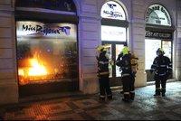 Obchod se šperky z Václavského náměstí v plamenech: Škody dosahují 200 tisíc!
