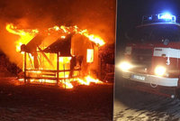 Svědectví z požáru, při kterém zahynul školák (†13): Polonahý kamarád běhal kolem hořící chatky, nešlo nic dělat