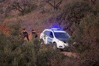 Chlapec (2) spadl do stometrové šachty: Záchranáři nezjistili žádné známky života