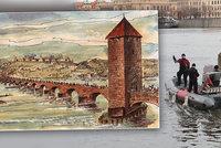 Tajemství Juditina mostu: Potápěči prozkoumávají dno Vltavy, hledají další fragmenty