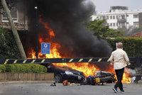 Exploze v hale, popravy hostů a 21 mrtvých: Útok na luxusní hotel je mstou Američanům