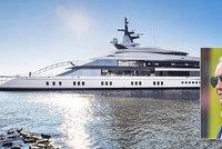 """Miliardář si koupil """"hračku"""" za miliardy: Na jachtě má bazén, plážový klub i dva helipady!"""