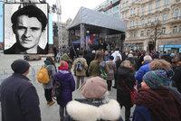 ONLINE: Před 50 lety se upálil Jan Palach. Na Václaváku na něj vzpomínají stovky lidí