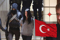 Markétě a Mirkovi v turecké base svitla naděje. Petříček zmínil amnestii