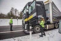 Slováci mění pravidla na silnicích. Zpřísní tresty i za mobily za volantem