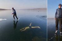 Potápění bez kyslíku pod ledem: Adrenalin, nebo nebezpečný hazard? Na to musí být nejméně dva, říká český reprezentant