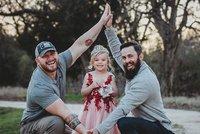 Jedna dcera, dva tátové, ale partneři to nejsou. Jak to je?