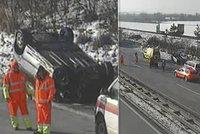 Nehoda uzavřela dálnici D1 z Ostravy na Brno: Osobák skončil na střeše
