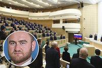 Údajného kmotra mafie zvolili do parlamentu: Po obvinění ze 2 vražd prchal ze zasedání