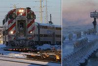 Kruté mrazy zavřely v USA školy i poštu: V Chicagu zapálili koleje, aby mohly jet vlaky