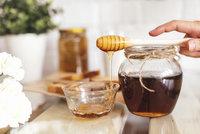 Co se stane, když si dáte před spaním lžičku medu? Budete se divit!