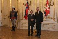 Kuberu na Slovensku přijal i Kiska. Před Hradem přibrzdil, pero poctivě vrátil