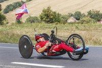 Ochrnutý sportovec Zbyněk zdolal na handbiku havajskou sopku: Speciální kolo mu ukradli!