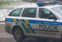 Muž zemřel na ubytovně v Plzni, marně se ho snažili oživit