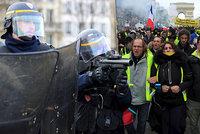 Protesty žlutých vest Francii opět nabraly na síle. Paříž hlásí zraněného i zadržené