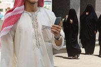 Saúdové kontrolují pohyb žen mobilem, můžou zrušit i letenky. Aplikace je i pro Čechy