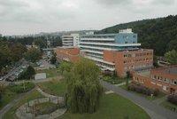 Pacient (†33) zlínské nemocnice nepřežil pád z balkonu: Muž letěl sedm metrů