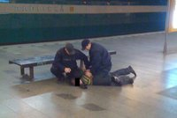 Maturák skončil rvačkou s revizory: Opilí studenti je měli zranit a rozbít jim telefon