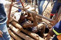 Místo zlata našli smrt. V zatopených dolech zemřelo 60 nelegálních horníků