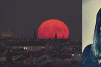 Superměsíc přináší neklid! Zbavte se starých trápení s Petrou Alraune: Pomůže léčivý rituál!