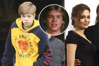 Tátovi jako by z oka vypadla! Dcera Pitta a Jolieové prý potřebuje lékaře