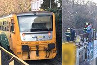 Vlak v Dejvicích usmrtil muže! Provoz na kolejích byl zastaven