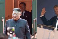 """Trump dorazil do Hanoje za Kimem. """"Obrovské davy a tolik lásky,"""" rozplývá se"""