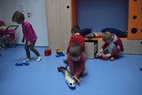 Zápis do školky se blíží. V září se do mateřinek vydá skoro 400 tisíc dětí