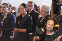 Exkluzivní snímky z pohřbu Pomeje (†54): Táta proti celé rodině! Maminka držela s vdovou Andreou