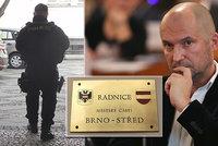Exradní Švachula, vyšetřovaný kvůli korupci, si stěžuje na vazbu: Chtěl by na svobodu
