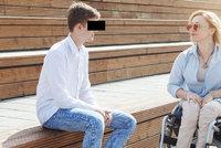 Dan je první sexuální asistent v Česku. K práci ho inspirovalo jeho manželství