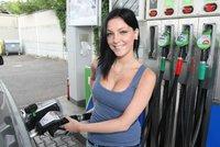 Benzin se vyšvihl na 33 korun za litr. Na Vysočině je dražší než v Praze