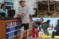 Stovky vyrabovaných obchodů, ale proud už jde. Do Venezuely se vrací voda i život