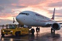 Uzemněné Boeingy Čechy nezastavily: Prodej letních zájezdů trhá rekordy, hlásí cestovky