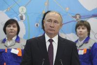Putin k výročí anexe Krymu spustil dvě elektrárny. Spojuje je skandál s turbínami