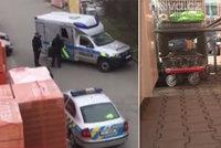 Před hobby marketem v Jihlavě nalezli mrtvolu: Proč byl muž (†52) v podřepu?