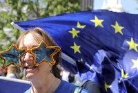 """Brusel """"zbrojí"""" na 12. duben a varuje: Brexit bez dohody je stále pravděpodobnější"""