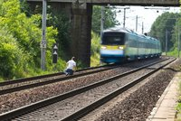 Vlak usmrtil muže nedaleko Aše. Šlo nejspíš o sebevraždu