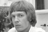 Známý zpěvák a idol Bowieho náhle zemřel! Scott Walker zpíval i o Česku